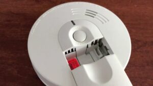 Smoke alarm beeping explained & tips to change battery