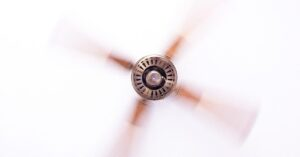why ceiling fan make noise